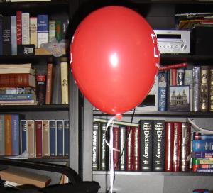 balonul_rosu