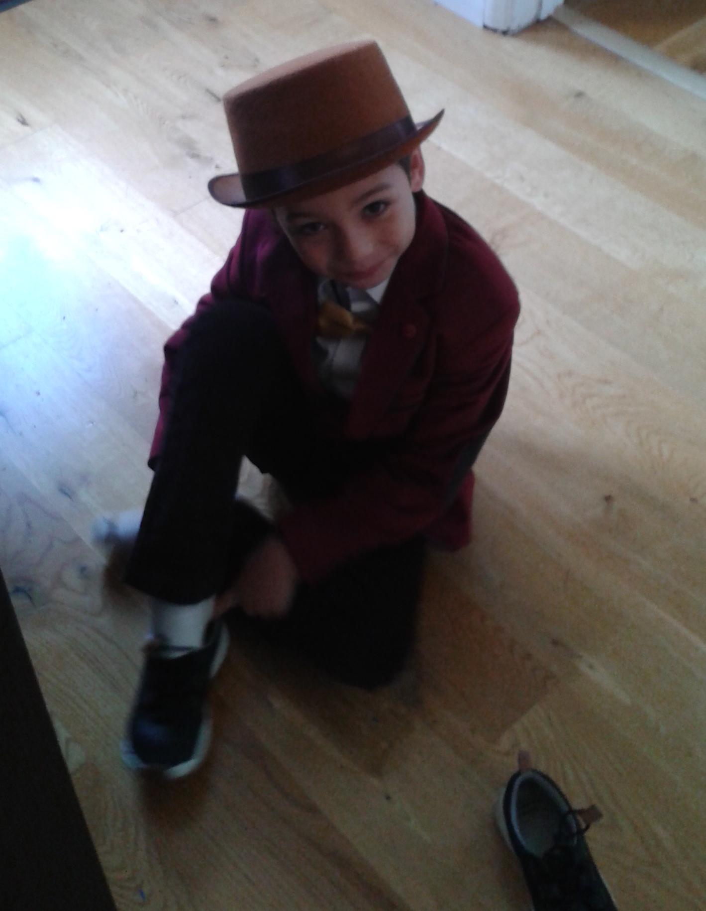 velvet_and_hat2
