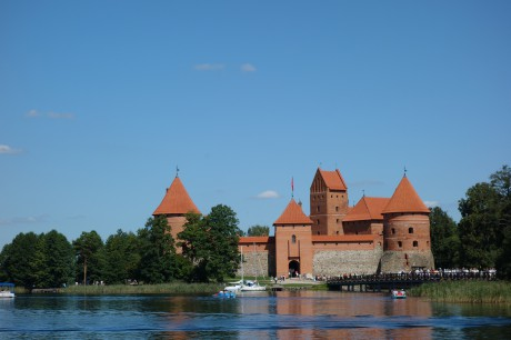 Tourist trap in the shape of a old castle that used to be on those same islands at Trakai, in other times, in other lives.